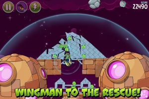 angry birds space wingman rescue